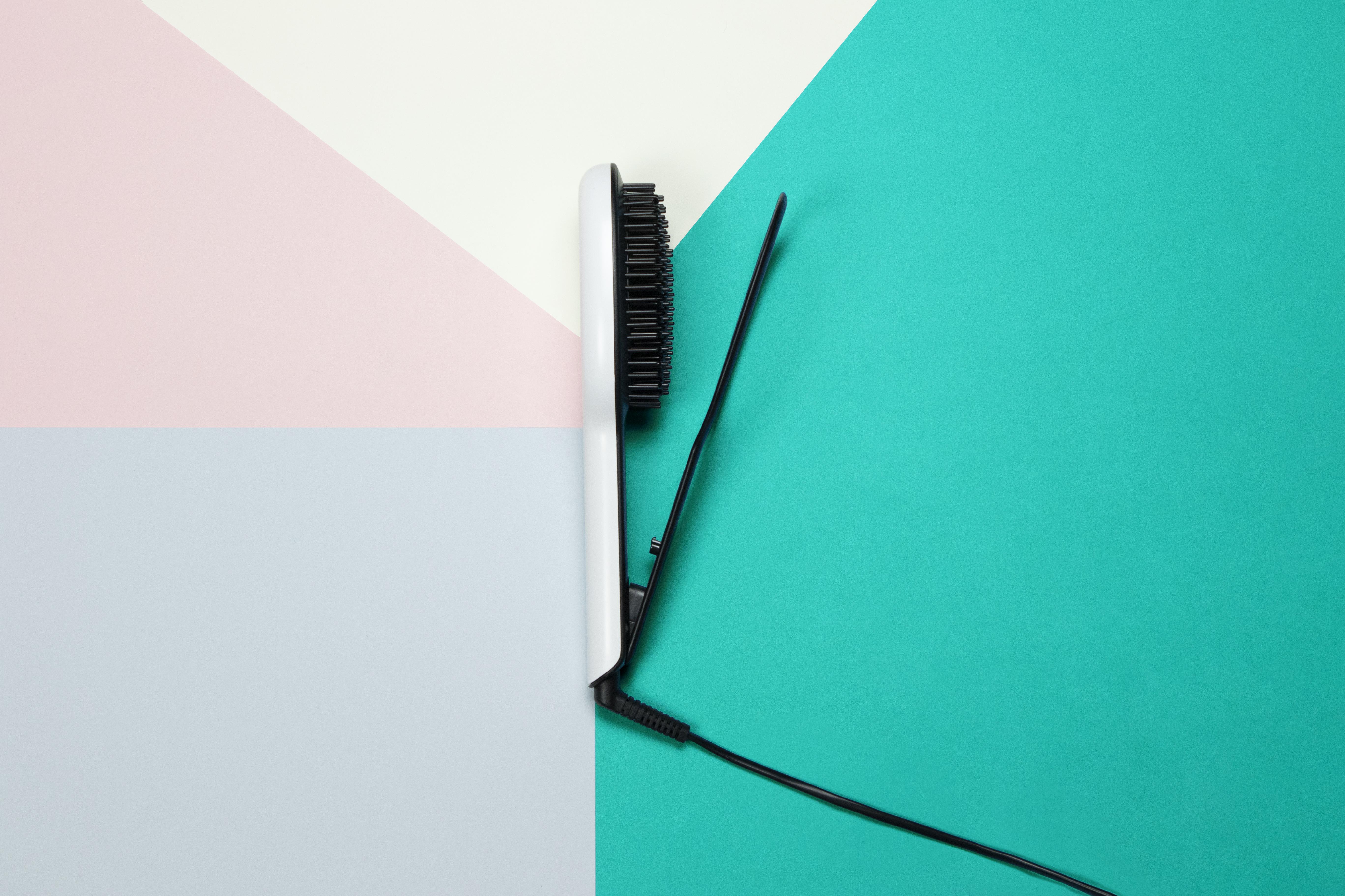 GLOSSIE Ceramic Straightening Brush