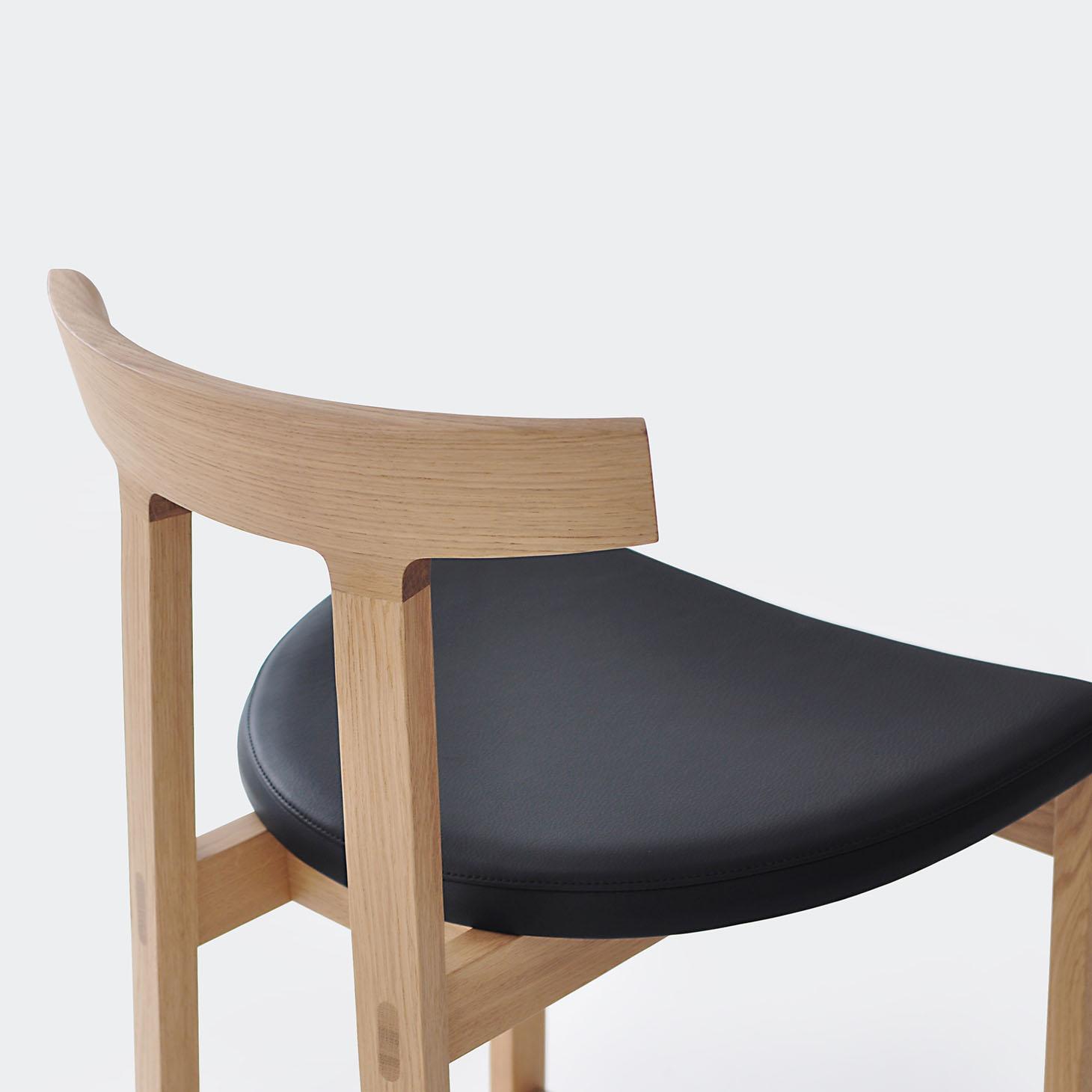 Torii stool