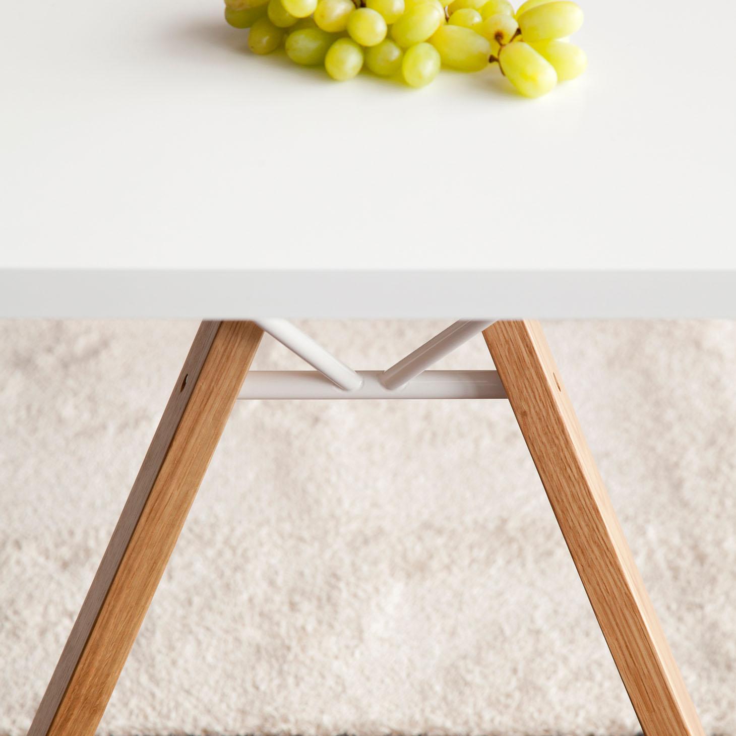 Lab table