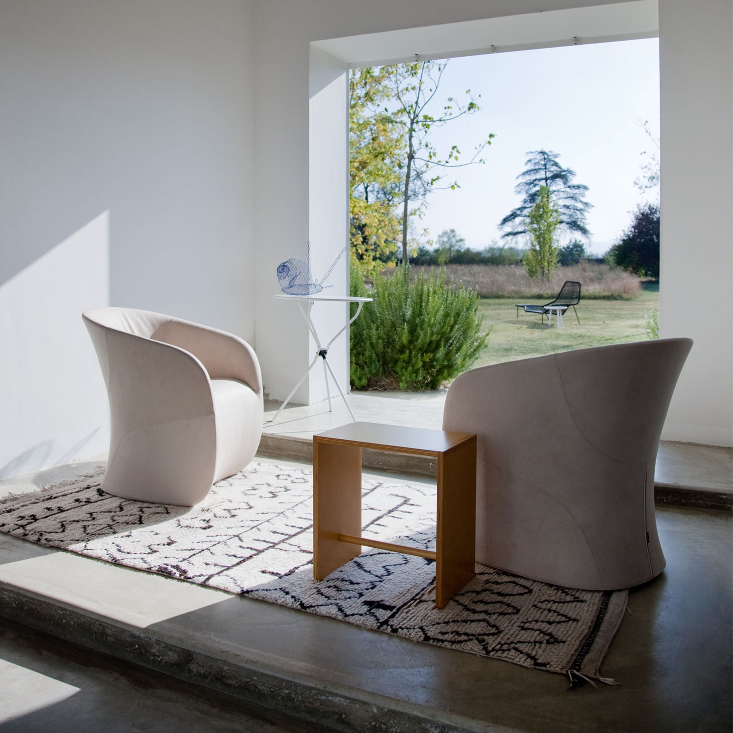 Calla Armchair Installation