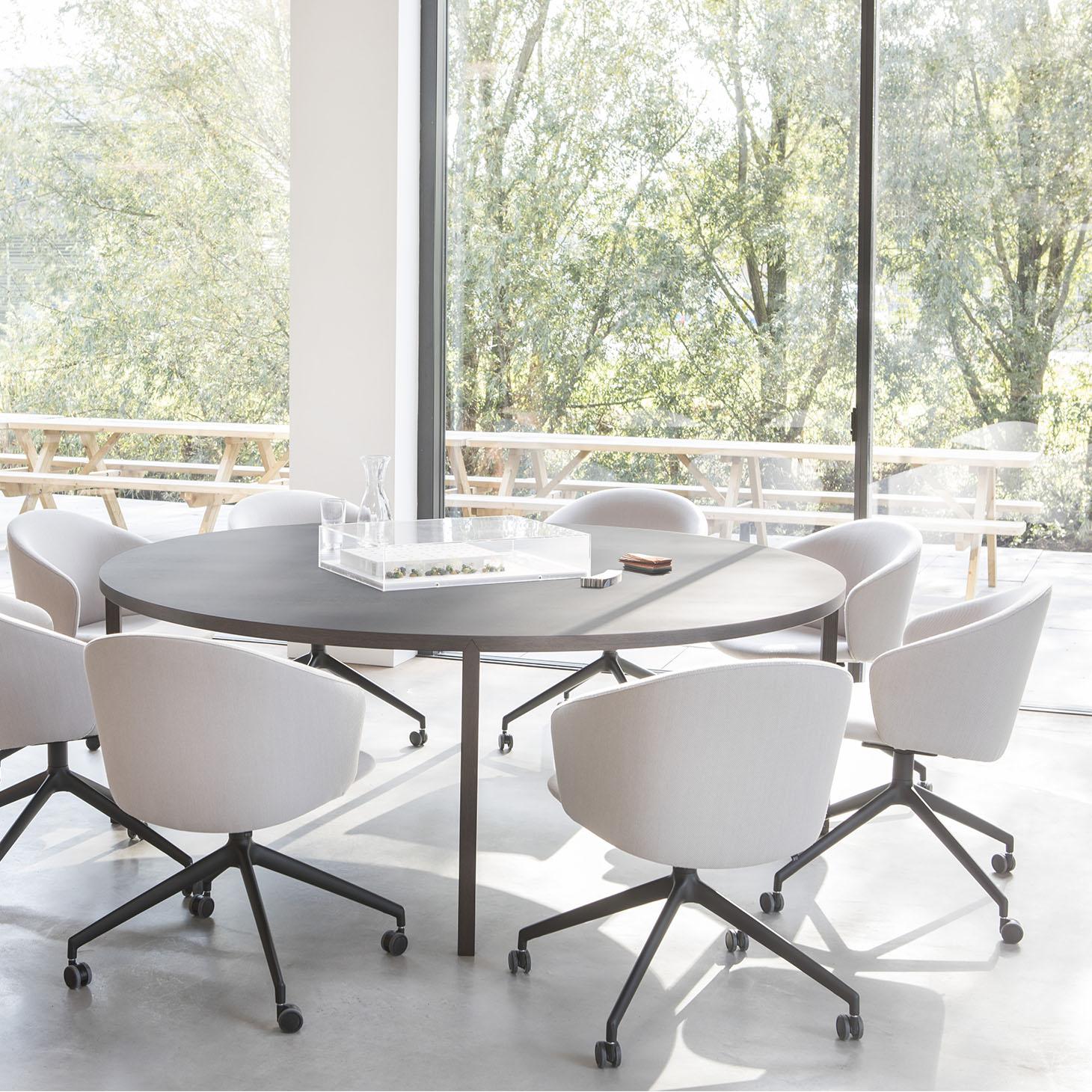 Slim+ Round Table Installation Photo