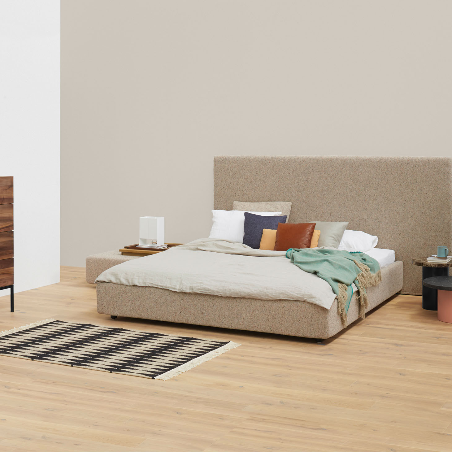 Pardis Bed