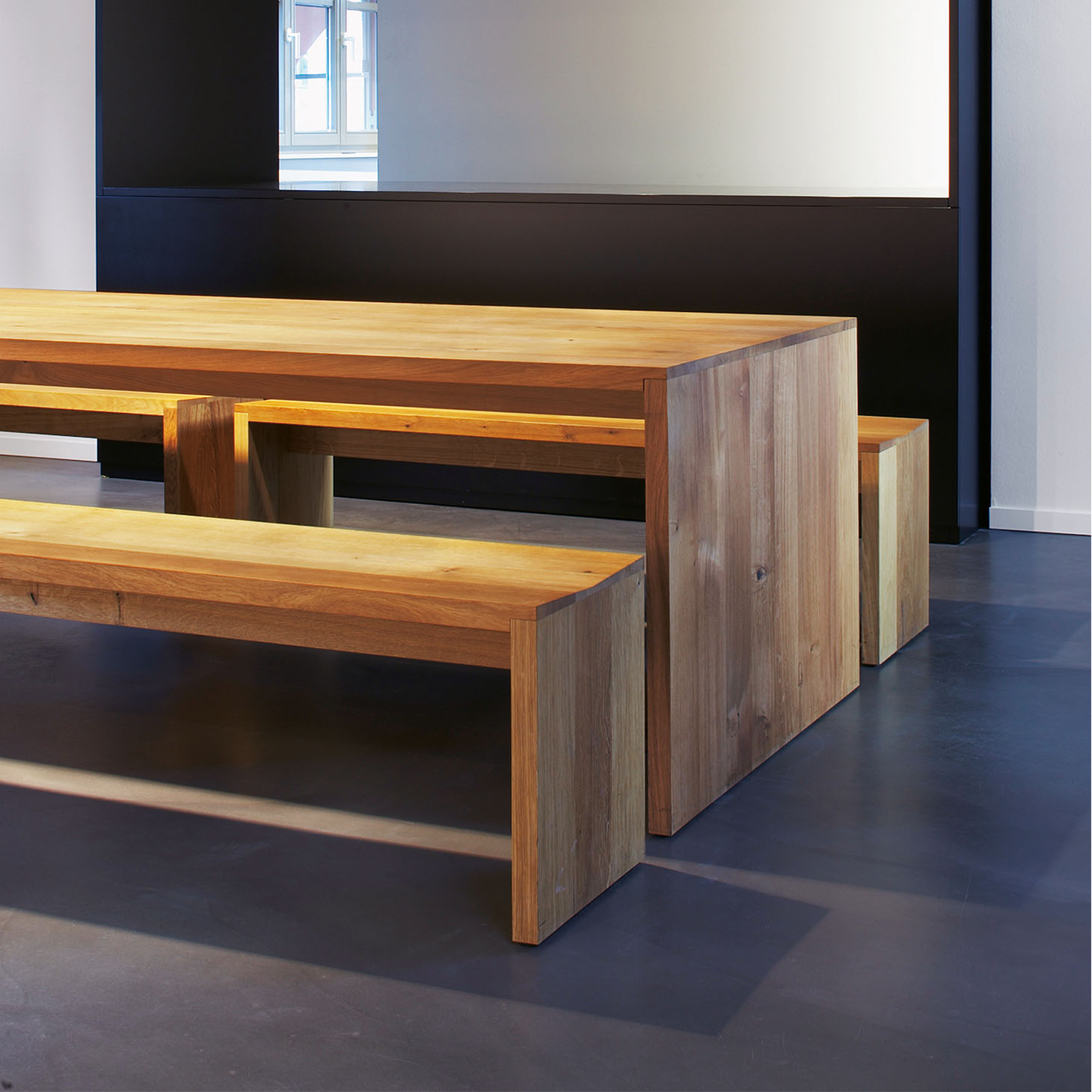 Ponte Table