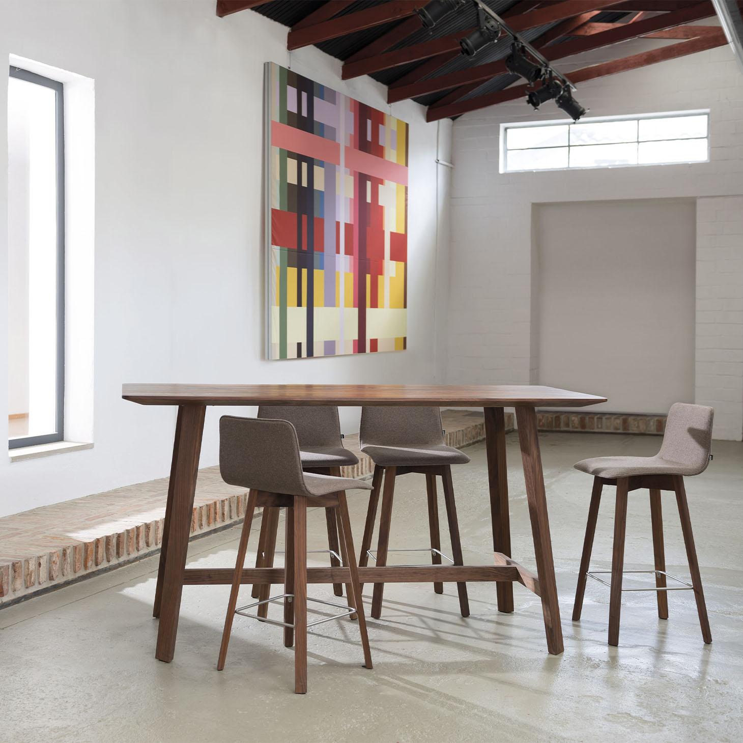 Maverick Bar Table and Chair