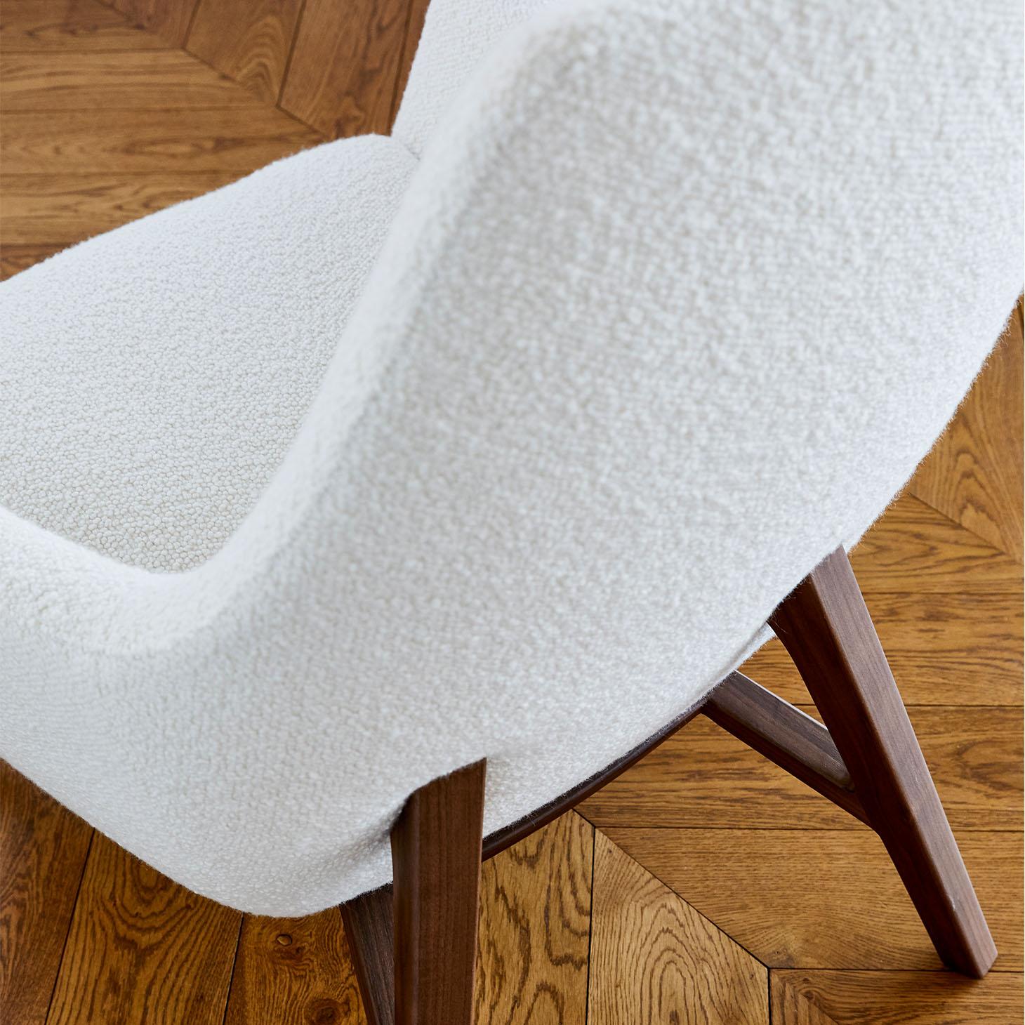 Enzo Lounge Chair Detail