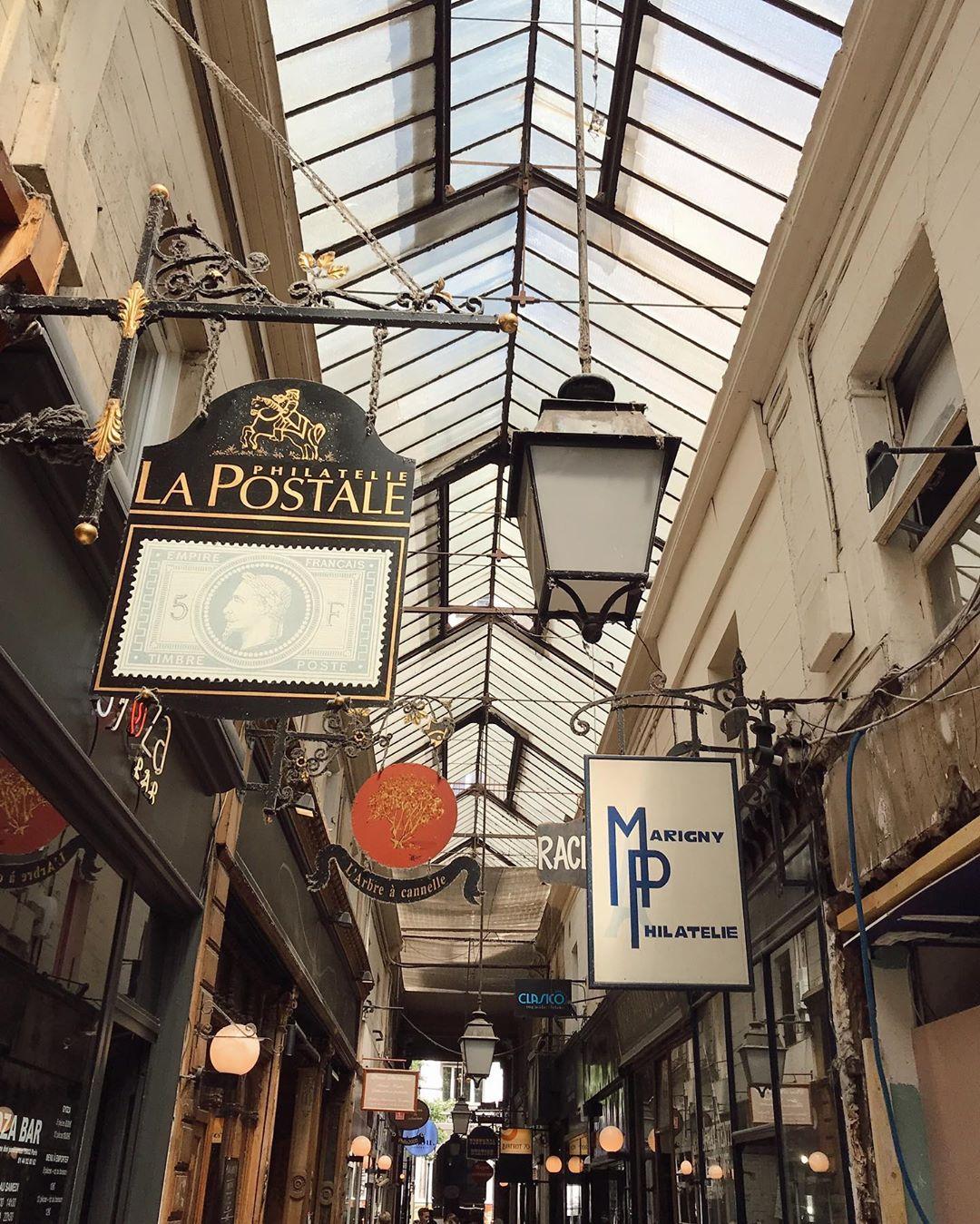 MLM LABEL ELOISE JAKSIC PARIS