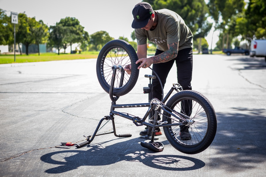 Ben Wallace on the Legion L100 BMX freestyle bike