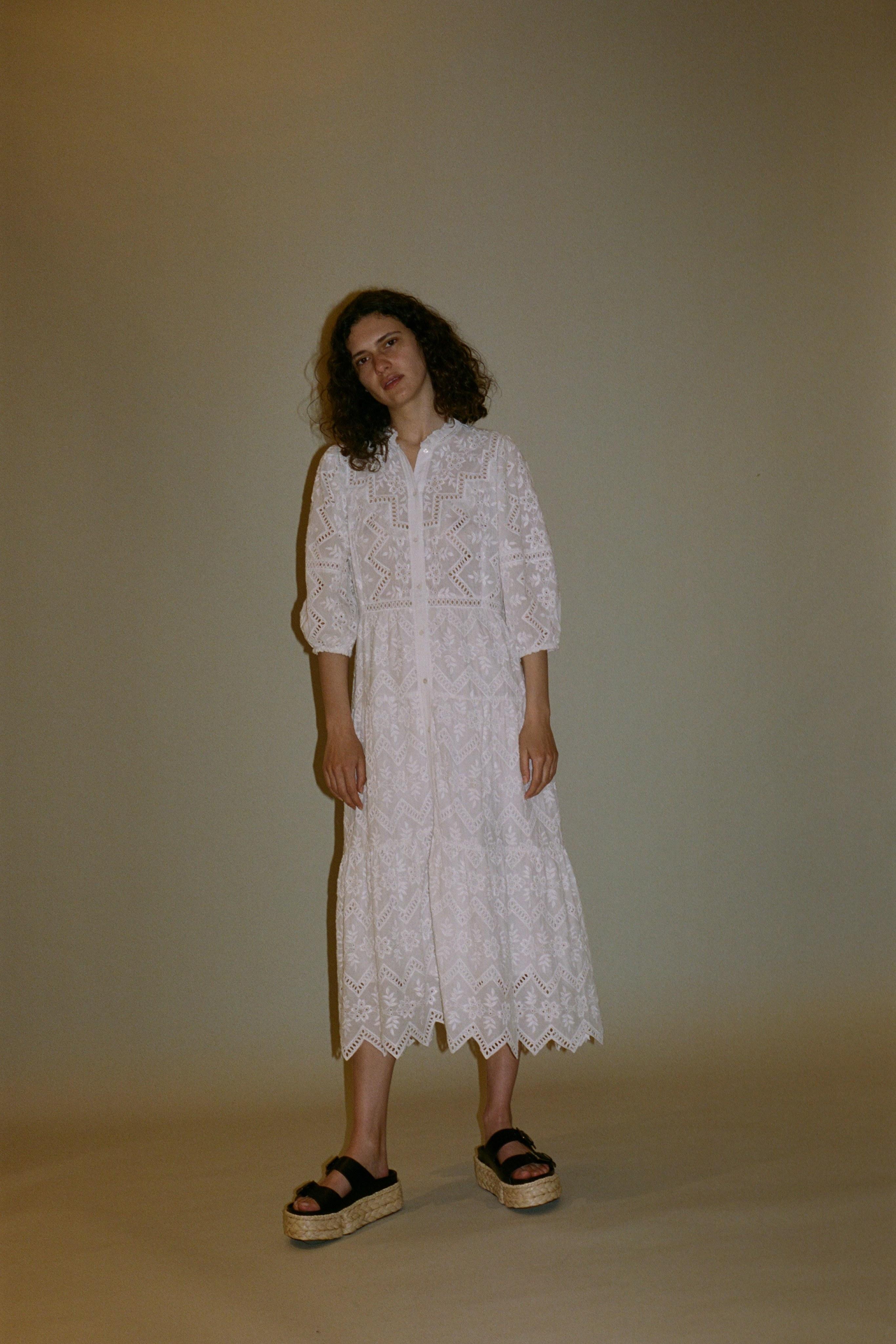 Zippy eyelet long sleeve midi dress