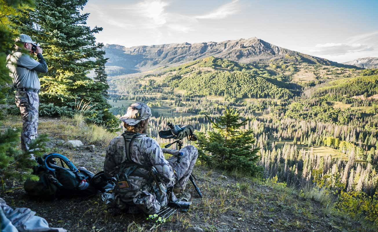 SIXSITE Pack built-in chair keeps hunters off the ground while searching for prey