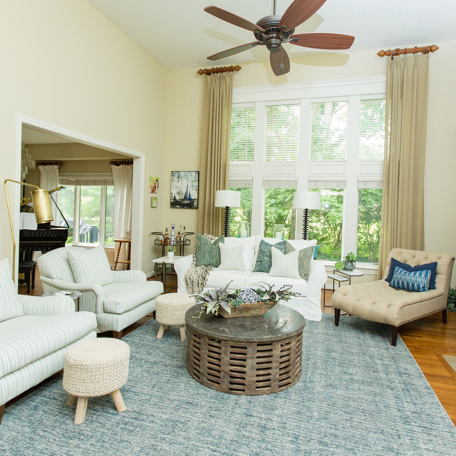 Bring The Shore Into Home With Beach Style Living Room: Comfortable Coastal Glam